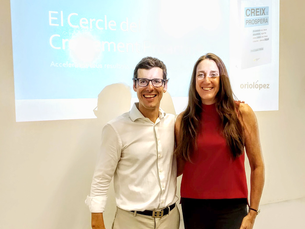 Yolanda Bravo gerente GTA Europa con Oriol López
