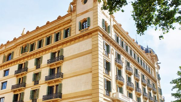 Edificio antigua banca Arnús de Enric Sagnier, Plaça Catalunya, 23, Barcelona