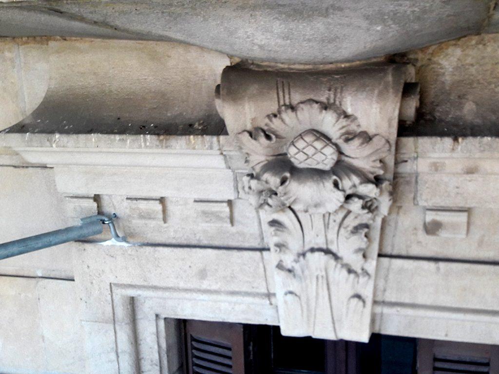 Decoración enmarcamiento antes rehabilitacion edificio Passeig de Gracia, 3